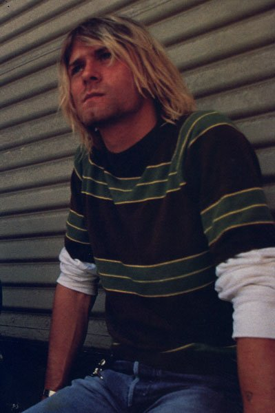 This is my favorite Kurt picture of all time !!!!